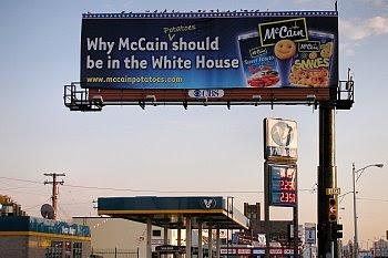 McCain-Fritten-Werbung in Detroit © Franz Gingl