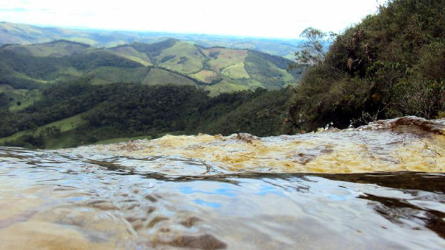 minas gerais mg ibitipoca cachoeiras  viajando sem frescura turismo  parque janela do ceu