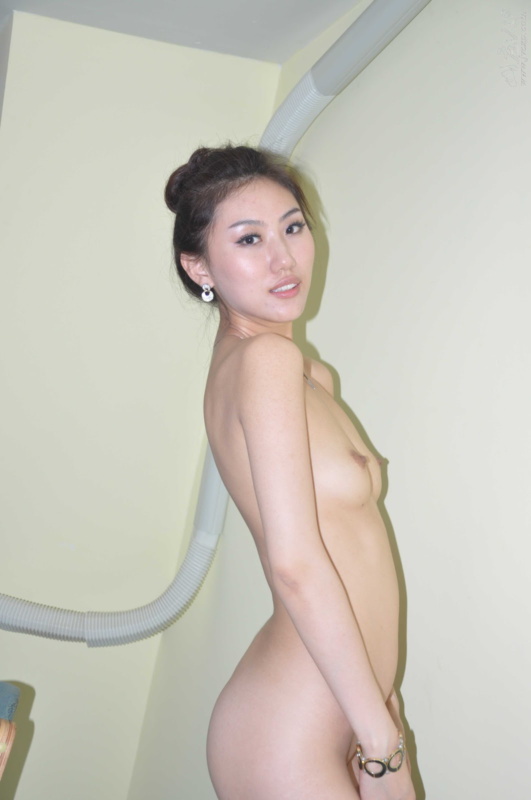 http://2.bp.blogspot.com/_flCG3ABq_jQ/TVJciUBEtuI/AAAAAAAAABg/jZj4KaAWfjY/s1600/World+Supermodel+Contest+China+Winner+Leaked+Nude+Photos+www.GutterUncensoredPlus.com+274.jpg