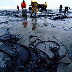petroleo en playa