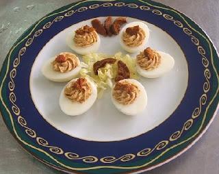 Huevos rellenos de erizo de mar
