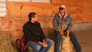Herve e Roger conversando sobre Rambo IV