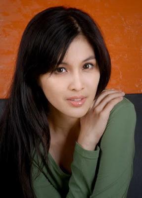 Sandra Dewi on Sandra Dewi