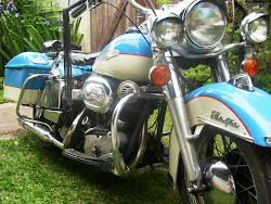 """Esta é a """"Trovão Azul"""" ou Águia azul"""" Harley 68 Electra Glide"""