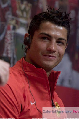 Cristiano Ronaldo-Ronaldo-CR7-Manchester United-Portugal-Transfer to Real Madrid-Images 4