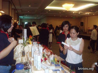 Product Fair (Photograph)