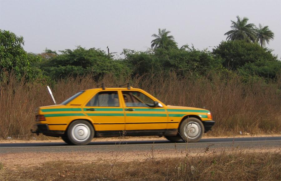 انواذيب: سائق تاكسي انحرف الى منطقة مهجورة ونهش ضحيته ولاذ بالفرار
