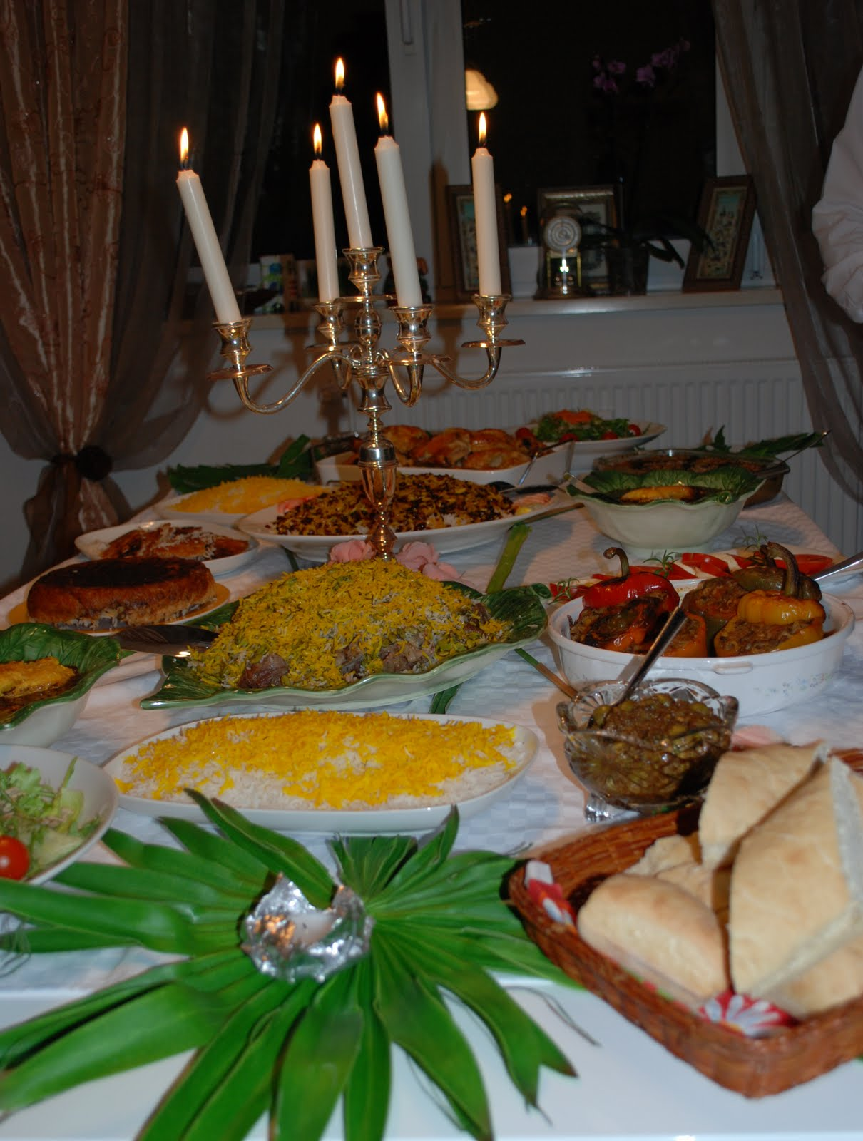 میز شام http://me-chef.blogspot.com/2010/03/blog-post.html
