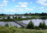 Мост через озеро Аптечное в центре Тевриза