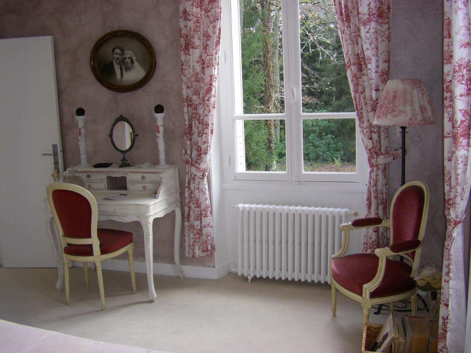 Les quatre vents la chambre romantique for Chambre de parade