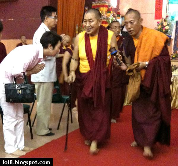 Life Of Lopsided 8 Garchen Rinpoche The Living Buddha
