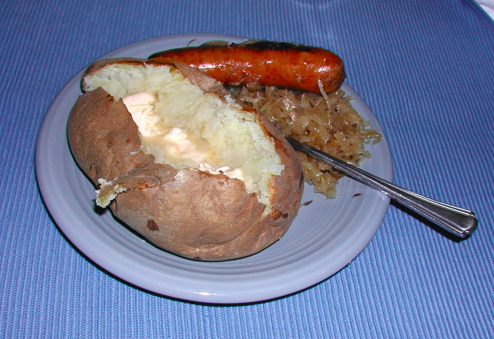 The Iowa Housewife: Bratwurst & Sauerkraut Skillet Supper