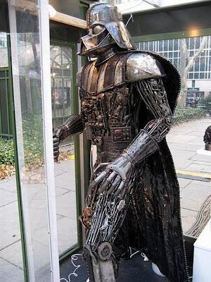 Darth Vader EXCLUSIVE Darth-Vader-everywhere-19