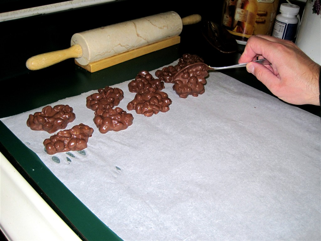 delightful country cookin': crock-pot chocolate covered peanuts