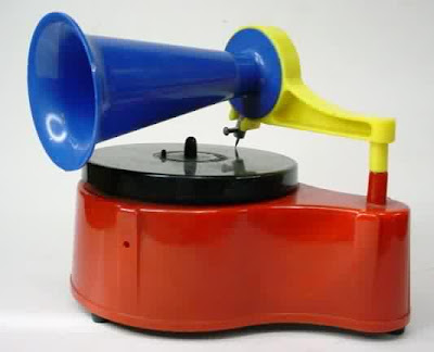 Audio Cheapskate as a way of life . . .  Recordplayer-plastic1