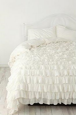 Inspirational  Lovely Clusters The Pretty Blog lovelyclustersblog Inspiring Spaces Dreamy White Bedding