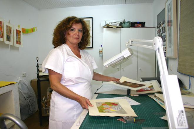 """Estas estampas pertenecen al libro de artista """"LA LIBRA"""""""