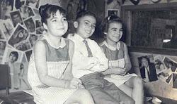 Años del perico, en una radio junto a mis hermanos