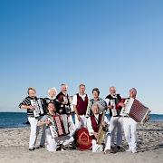 Klostermusikanten am Ostseestrand von Kellenhusen