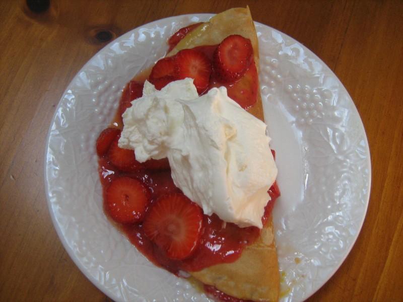 [Image: strawberrycrepe2.jpg]