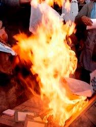 Petistas queman 40 mil boletas electorales en Venustiano Carranza