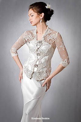 Wedding Gown Options: Simple Wedding Gown With Kebaya O