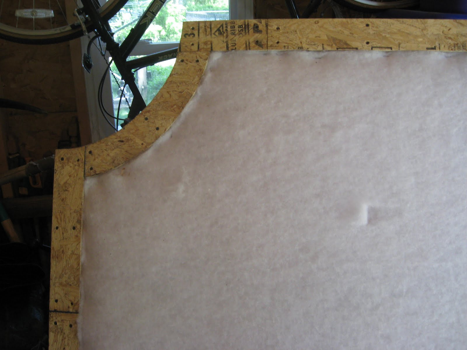 AggieRay: HOW TO MAKE upolstered covered headboard