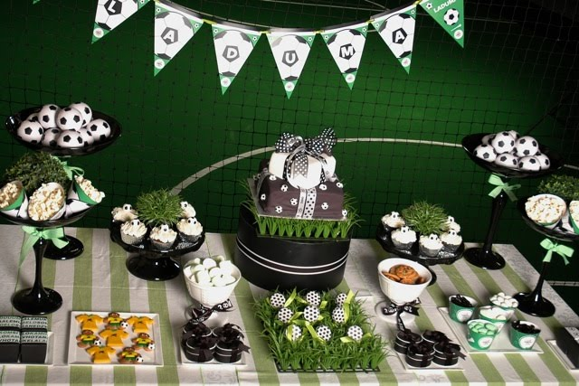 Parties decor more soccer themed birthday party for Club joven mural