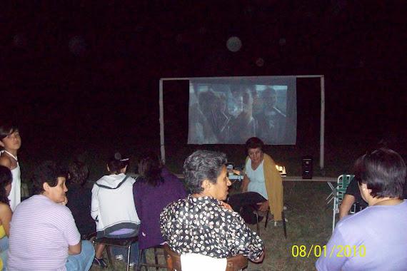 Agradeciimento a la comunidad que nos acompaño en la Proyeccion de Cine al aire libre ( y gratis)