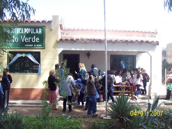 Alumnos de 1 y 3  la Esc. 1011 Juan Jose Castelli visitan la sede