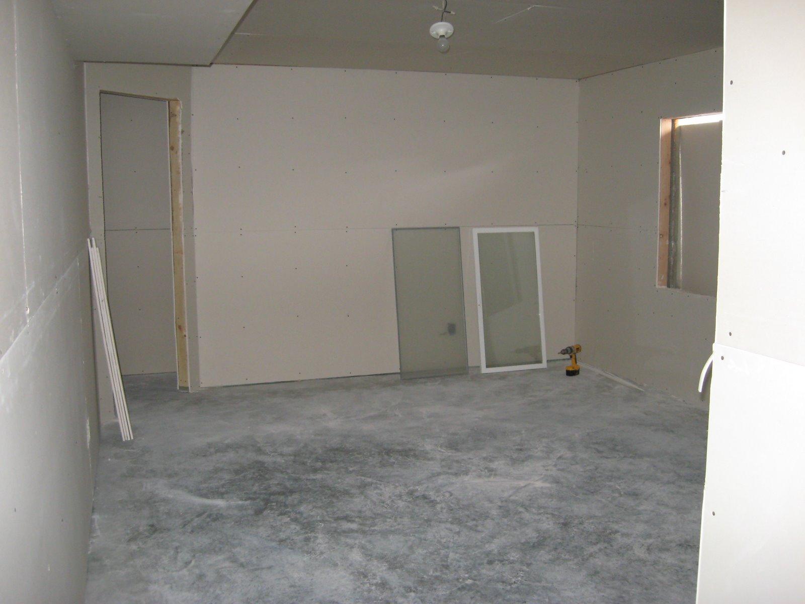 [basement+drywall+001.JPG]