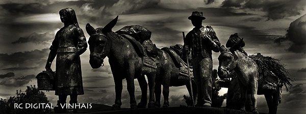 BRAGANÇA - Estátua Povo Transmontano