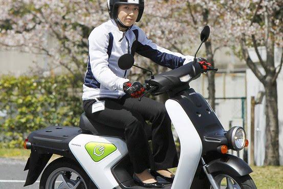 http://2.bp.blogspot.com/_gASchh8RiqY/S8R1BVJu0ZI/AAAAAAAAGYI/fNMH-3WdpOc/s1600/Honda+EV+Motorbike.jpg