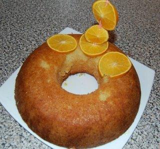 Bolo de laranja ensopado.