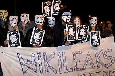Wikileaks - Julian Assange as Guy Fawkes