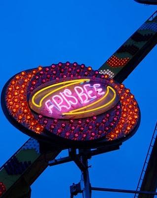 frisbee ornamental