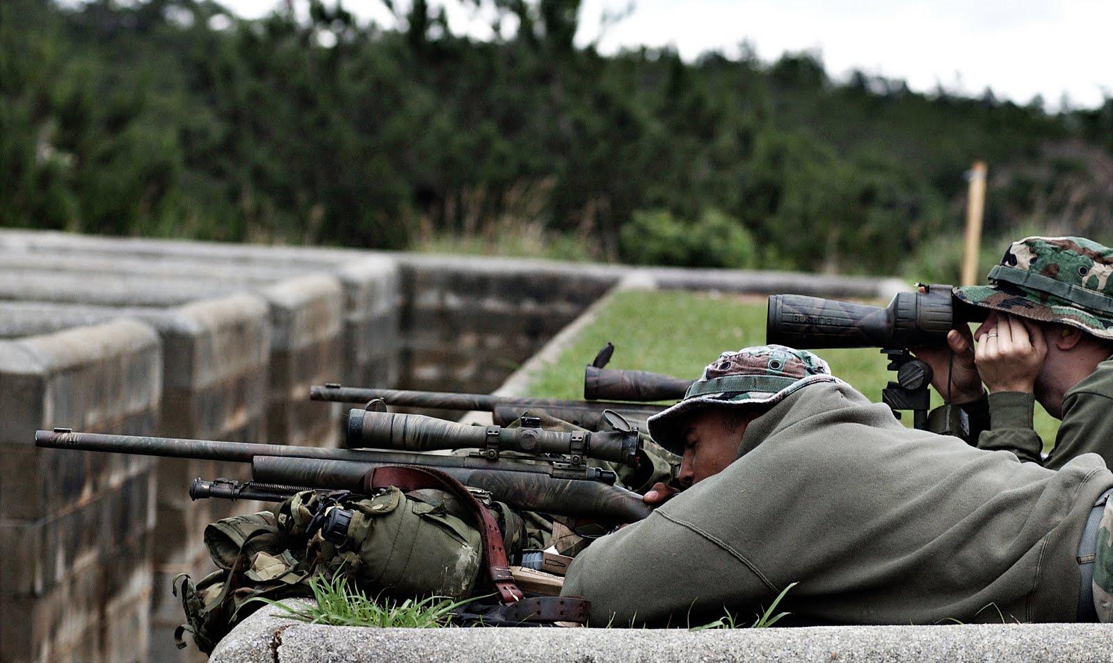 CZ 452 de Luxe Gaucher - Page 2 USMC_Sniper_M24