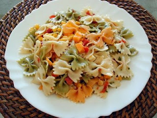 салат с фарфале-бантиками