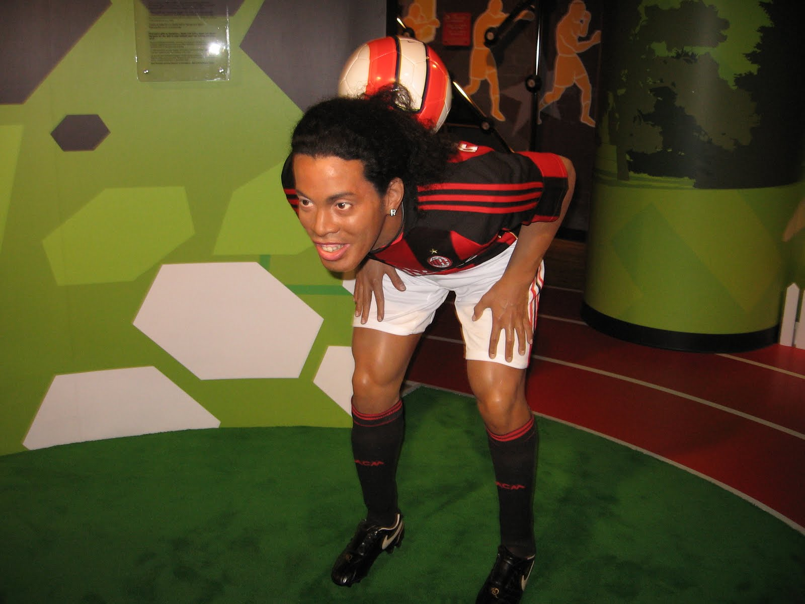 Ronaldo De Assis Moreira - Photo Set