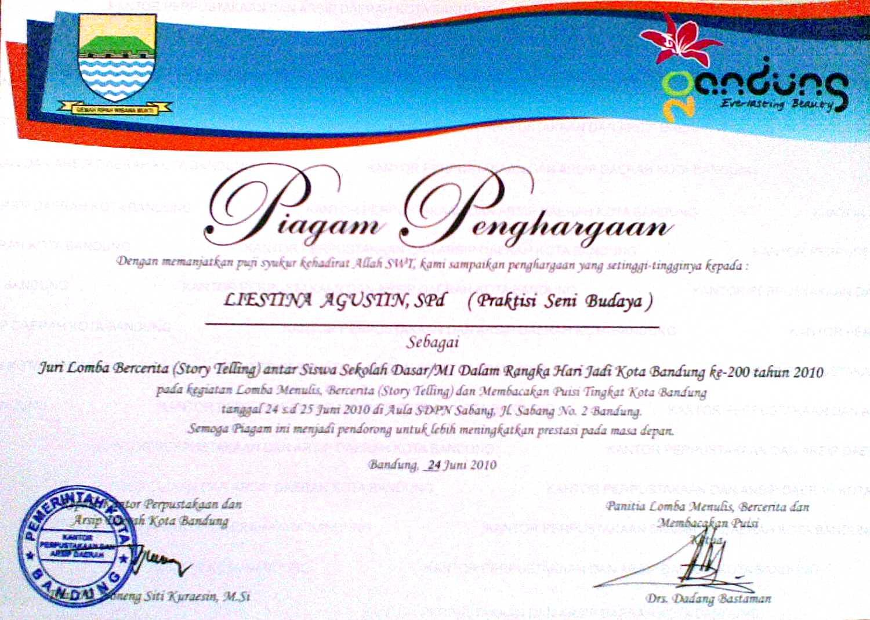 Bandung Highlights Piagam Praktisi Seni Budaya Untuk Liestina Agustin