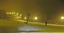 Verlichte ski piste