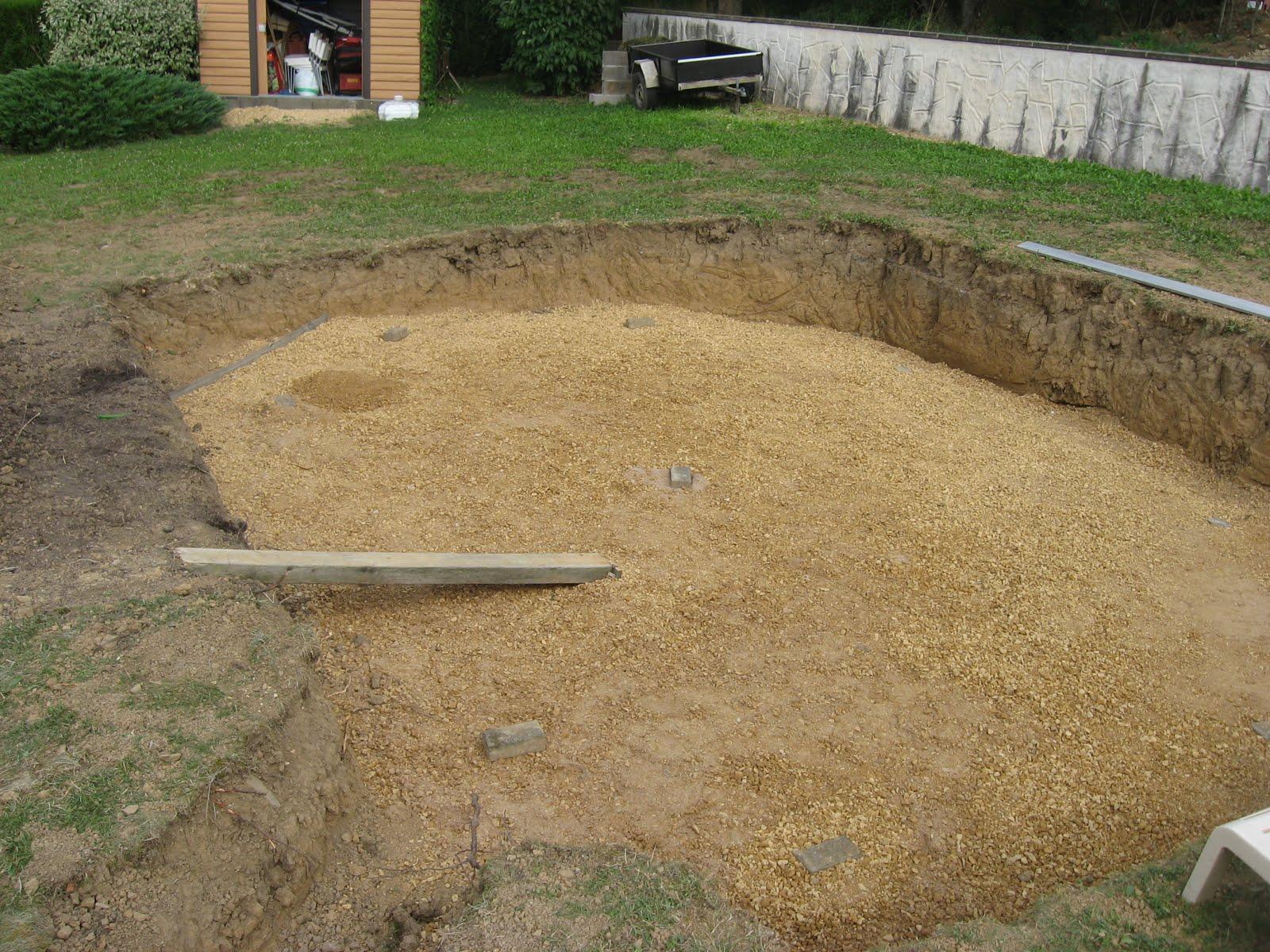Piscine semi enterr e aujourd 39 hui le h risson for Piscine ouverte aujourd hui