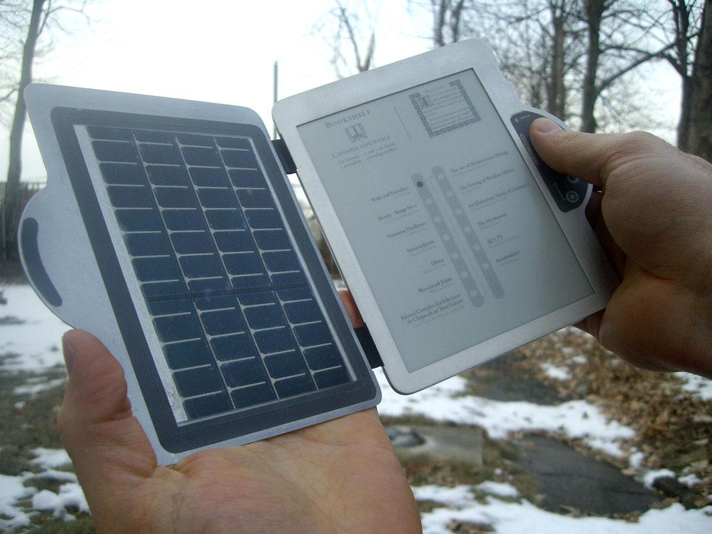 http://2.bp.blogspot.com/_gHLi5No8dSY/SMASnb0iHHI/AAAAAAAABAM/OFH5GJaeTFo/s1600/snippy-solar-powered-reader-1.jpg