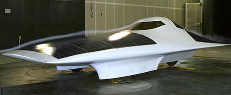 Une semaine d'autonomie à 150km/h pour ce bolide solaire