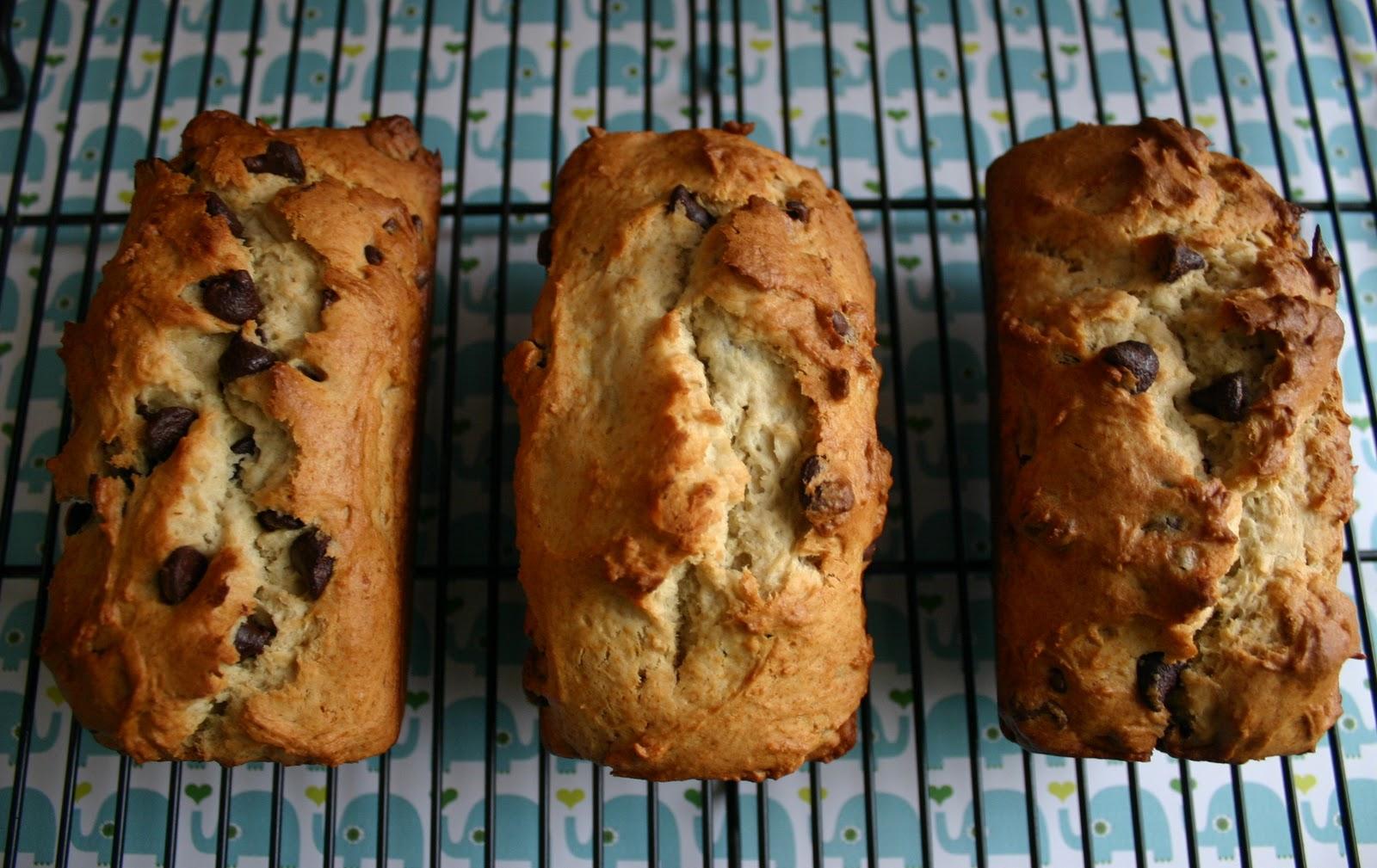 My Retro Kitchen: Eggless Chocolate Chip Banana Bread