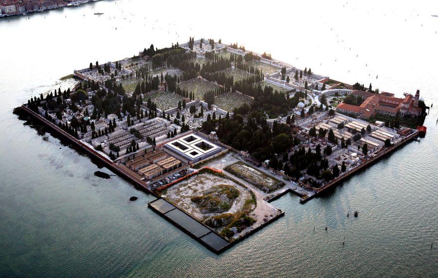 sleeping gardens island cemetery of san michele venice italy. Black Bedroom Furniture Sets. Home Design Ideas
