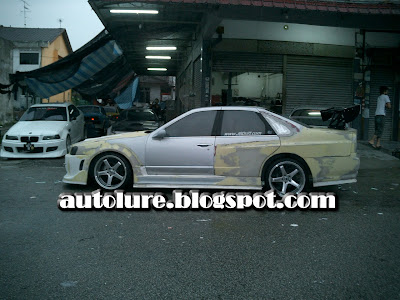 Here, the picture on constructing the Nissan Skyline R34 from a oldy Nissan