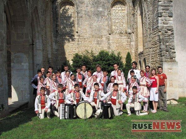 """с """"Русчуклийче"""" в Saint-Maixent L'École, Франция, 2006"""
