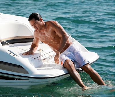 Mario Lopez shirtless wet bulge
