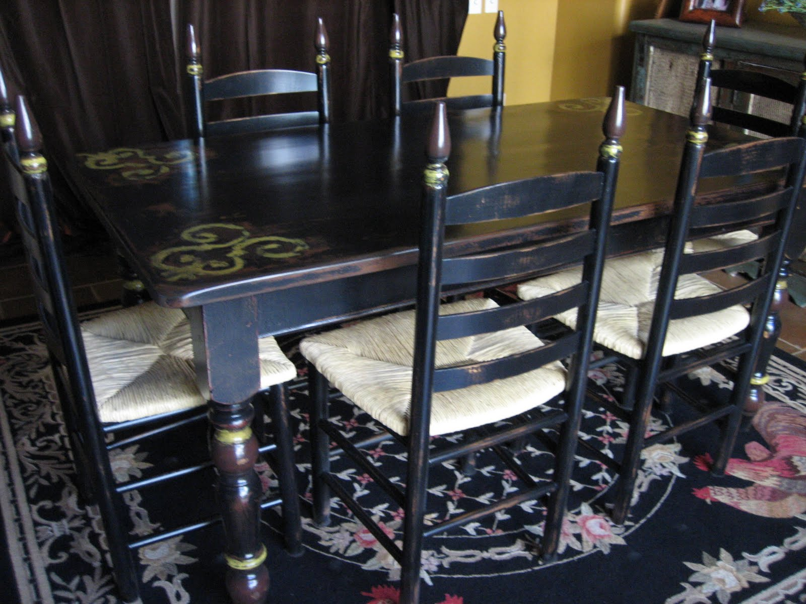 Remarkable Distressed Black Dining Table and Chairs 1600 x 1200 · 203 kB · jpeg